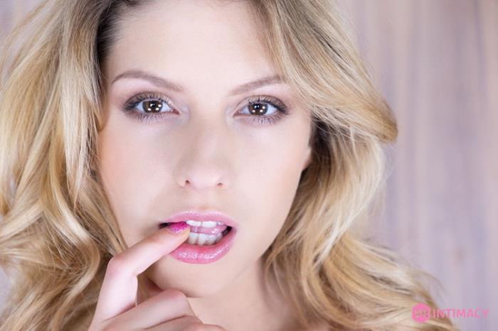 Rebecca Volpetti - VR Intimacy 007 - Lovely Cutie (2021 VRIntimacy) [2K UHD   1920p  3.12 Gb]