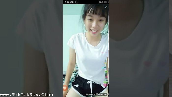 [Image: 207937220_0561_at_beautiful_cute_thai_-_...lgirls.jpg]