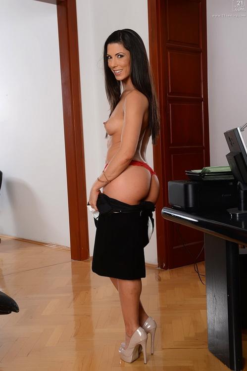 Alexa Tomas - Secretary, Lover [PixAndVideo/21Sextury / FullHD 1080p]