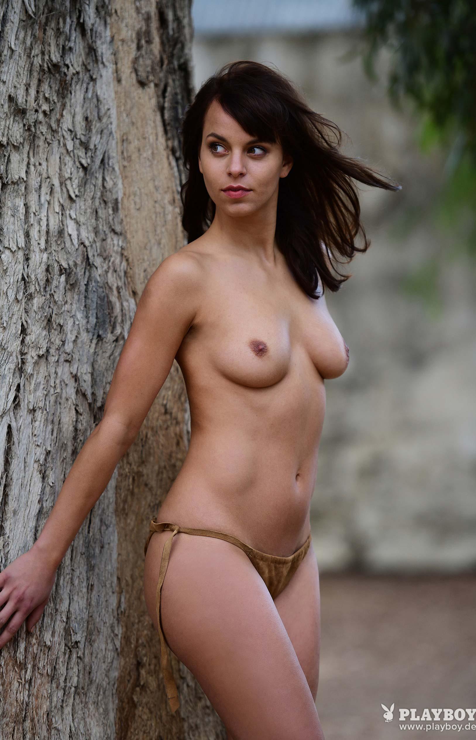 актриса Франциска Бенц голая на ферме в Южной Африке / фото 16