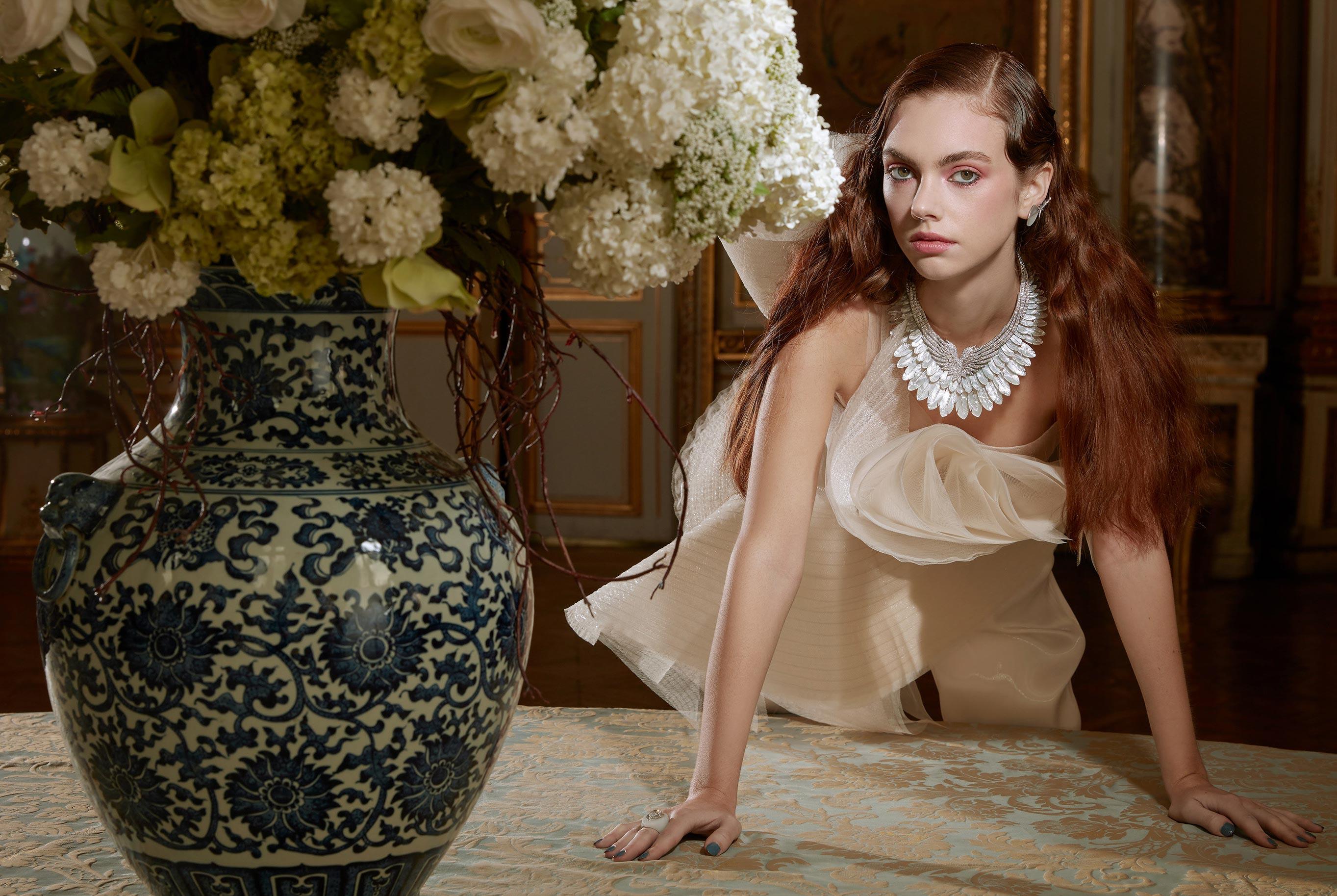 Лоана Жульен демонстрирует образцы высокой моды / фото 05