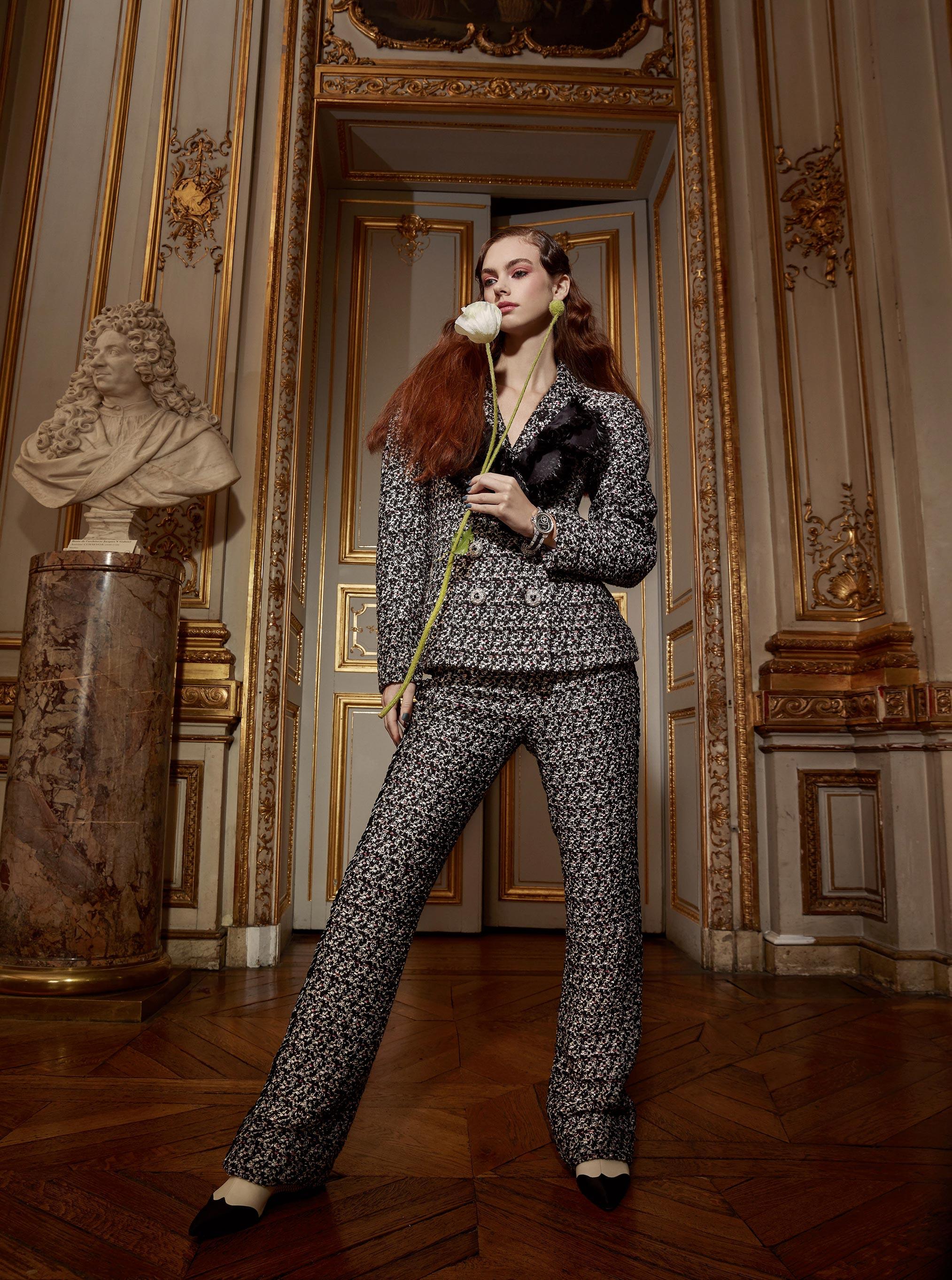 Лоана Жульен демонстрирует образцы высокой моды / фото 08