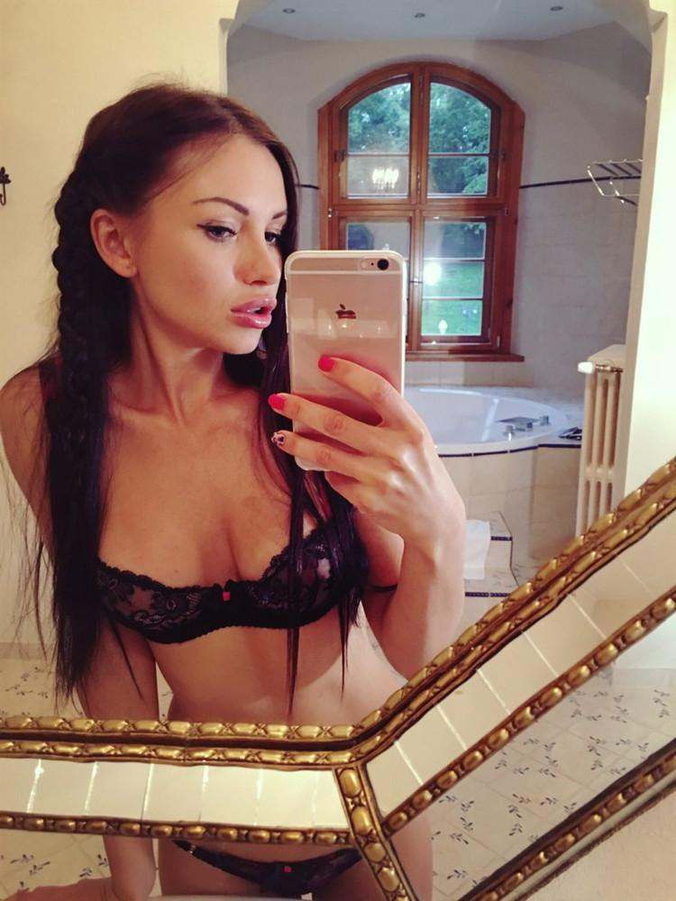 Sasha Rose - The Russian Doll (Porn/HD) - Flashbit
