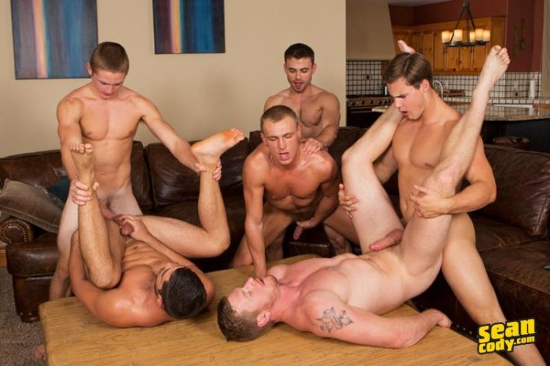 Tanner, Bryce, Coleman, David, Andy, Noel - Mountain Getaway: Day 4 - POP-UP [SeanCody.com / SD 480p]