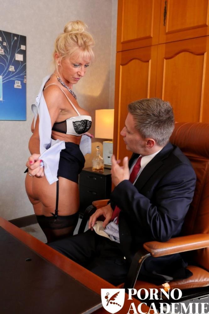 Marina Beaulieu - Busty French mature Marina Beaulieu enjoys anal sex with DP in threesome [PornoAcademie/PornDoePremium / SD 480p]