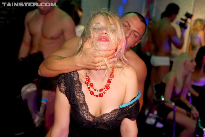 PartyHardcore/Tainster: Eurobabes - Party Hardcore Gone Crazy Vol. 7 Part 5 [HD 720p] (850 MB)