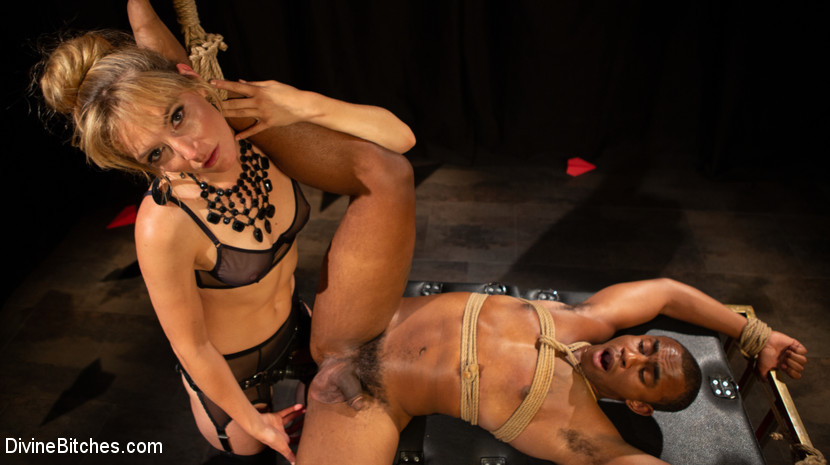 DivineBitches.com/Kink.com: Mona Wales, Buck Wright - TEDxxx: Kinky Ideas Worth Spreading [SD 540p] (677 MB) - October 9, 2018