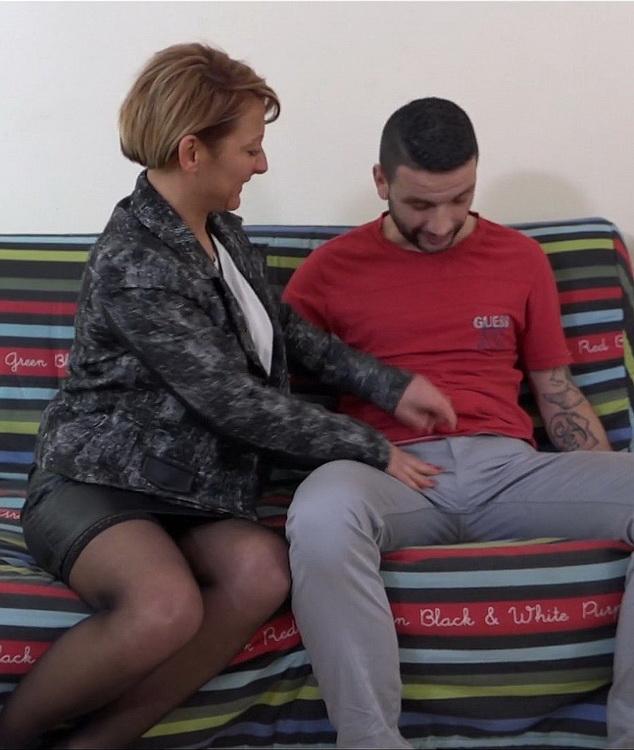 JacquieEtMichelTV/Indecentes-Voisines: Laura - Laura, 41ans, responsable des achats [FullHD|1080p|1.06 GB]