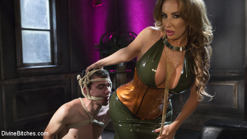 DivineBitches.com/Kink.com: Richelle Ryan, Casey V - Dangerous Curves Ahead:Trustfund Kid is Dominated by Fierce Curvy Babe [SD 540p] (517 MB) - October 13, 2017