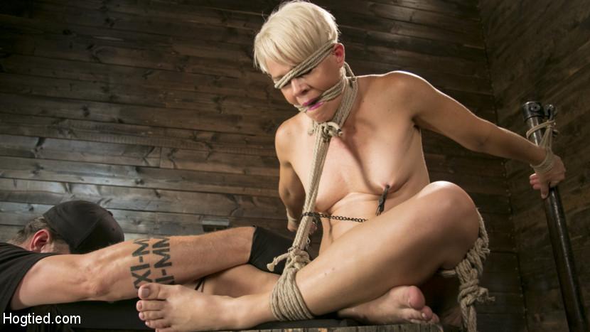 Hogtied.com/Kink.com: The Pope, Helena Locke - Blonde Buff MILF Helena Locke Made to Cum in Tight Rope Bondage!! [SD 540p] (582 MB) - October 12, 2017