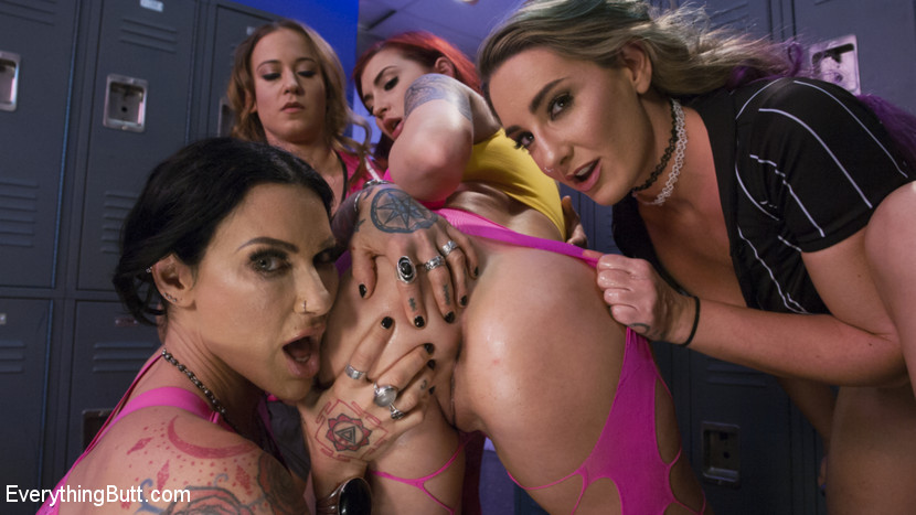 EveryThingButt.com/Kink.com: Cheyenne Jewel, Savannah Fox, Jenevieve Hexxx, Amber Ivy - Wrestlers get Bribed with Anal Pain to throw the Match of the Century [SD 540p] (913 MB) - September 22, 2017