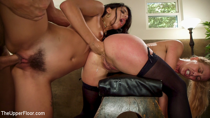 TheUpperFloor.com/Kink.com: Ramon Nomar, Cherie DeVille, Gina Valentina - 19 year Old Slut Teaches Anal Fiance How to Serve Daddy [SD 540p] (867 MB) - September 5, 2017