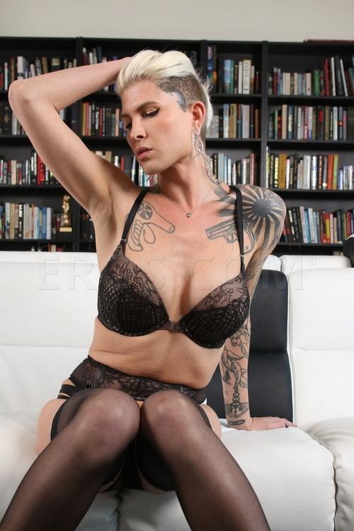 Pure-TS: Danni Daniels - top superstar Danni Daniels fucks Christian bareback [FullHD 1080p] (Transsexuals)