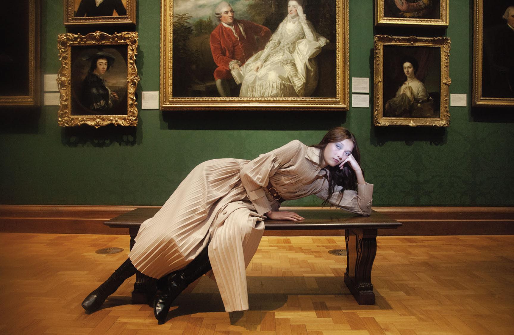 Модный показ в картинной галерее Тейт / фото 01
